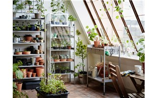 A practical place for pots, plants and gardening tools
