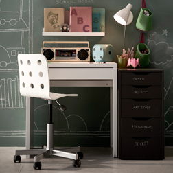 Children's desks & chairs