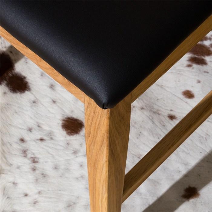 Black, Oak timber