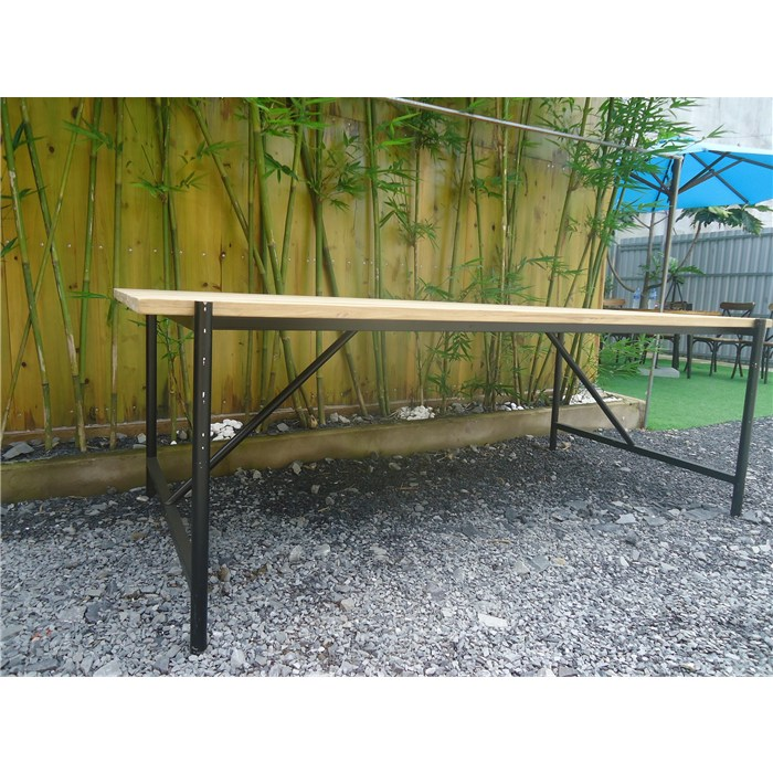 Table top in brown, solid teak, metal frame in black